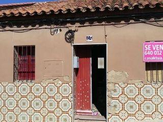 Vivienda de excelente situación, a escasos metros de la plaza santa barbara. consta de 3 dormitorios, salón, c ...