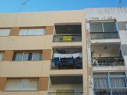Vivienda muy luminosa, ubicada en zona muy bien comunicada y dotada de todo tipo de servicios. la vivienda est ...