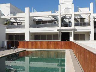 Ibiza (baleares). piso planta baja a estrenar en un complejo de pocos vecinos con piscina comunitaria, que con ...