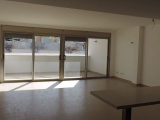 Precio a consultar: piso planta baja 'a estrenar' de 123 m² en un complejo de pocos vecinos con piscina, que c ...