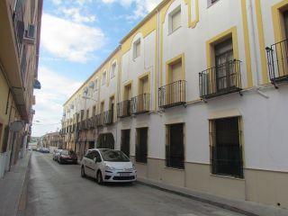 Dúplex calle ancha en lucena. con 100 m² distribuidos en salón, cuatro dormitorios, cocina, baño, aseo y despe ...