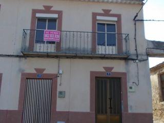 Casa en zona rural, para reformar, en la villa de garcíez, del término municipal de bedmar, con 3 dormitorios, ...