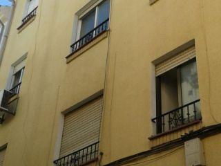 Piso de 89 m² en lucena, calle santa marta baja. distribuido en salón, tres dormitorios, baño, cocina y lavade ...
