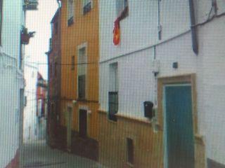 Casa enclavada junto al casco urbano de chiclana de segura (jaén). con muchas posibilidades, junto a comercios ...