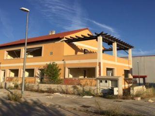 Inmueble en venta en Caudete De Las Fuentes de 238  m²