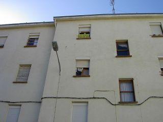 Apartamento en oyón, compuesto de 2 dormitorios y un baño. completamente exterior. se encuentra ubicado ...