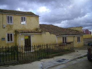 Casa Santillana de campos