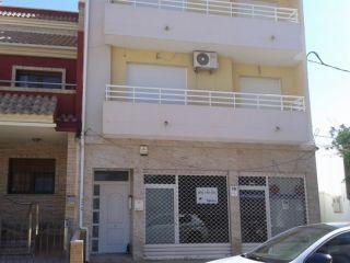 Local en venta en Los Alcázares de 61  m²