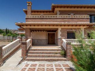 Casa en venta en c. alcazaba
