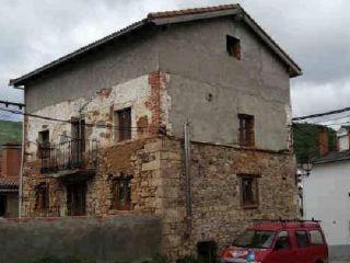 Casa en venta en plaza del pueblo