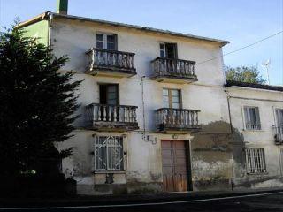 "Casa en venta en <span class=""calle-name"">c. san miguel de breamo - lugar de barro"