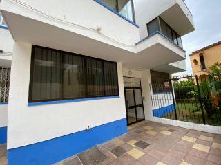 Atico en venta en Estepona de 56  m²