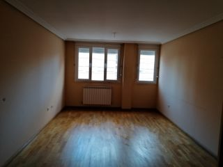 Vivienda en venta en c. cebollera esq avenida salazar y torres 38, 2, Almazan, Soria